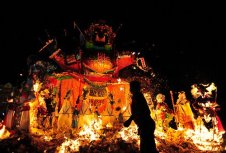 hungry-ghost-festival-burning-offerings